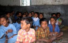 800px-Orissa_village_school_children