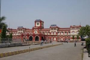10-10-13 Mano - Gorakhpur Railway Station