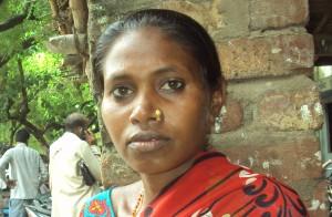 कचेहरी मा बइठ रामदेवी