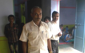 सरैंया गांव के हेडमास्टर ने भी शिक्षा मित्र का पक्ष लिया