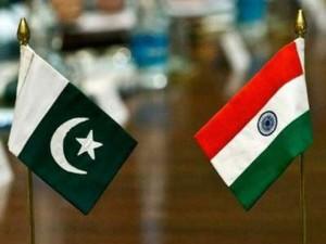 India Pakistan flags
