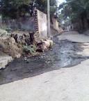 रोड मा फइलत पानी